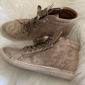 Soft  sneakers size 7New